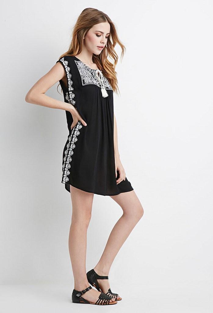 Черное платье балахон с узором