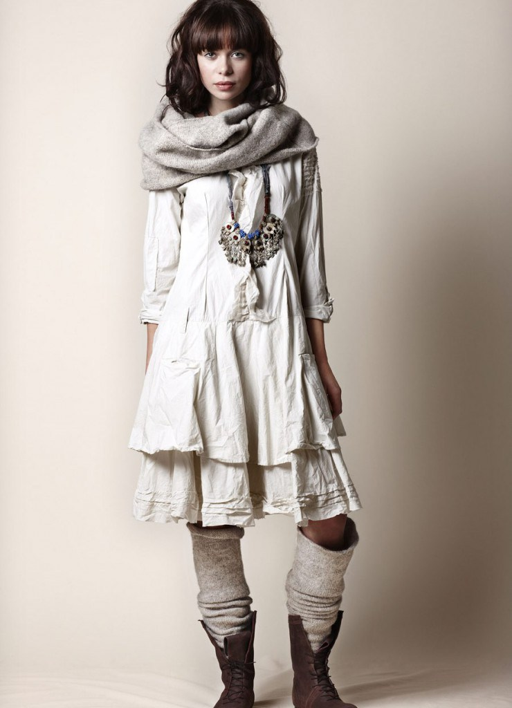Серый шарф в бохо стиле