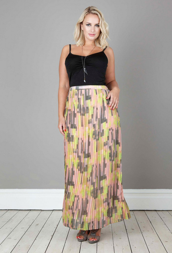 Длинная летняя юбка с принтом для полных женщин