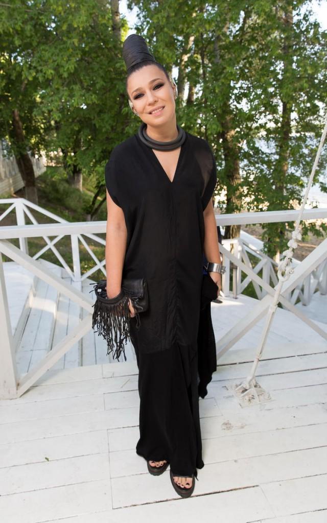 Свободное готическое платье