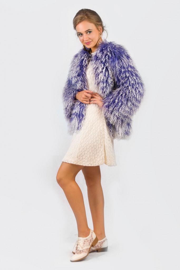Сиреневая стильная шуба из ламы