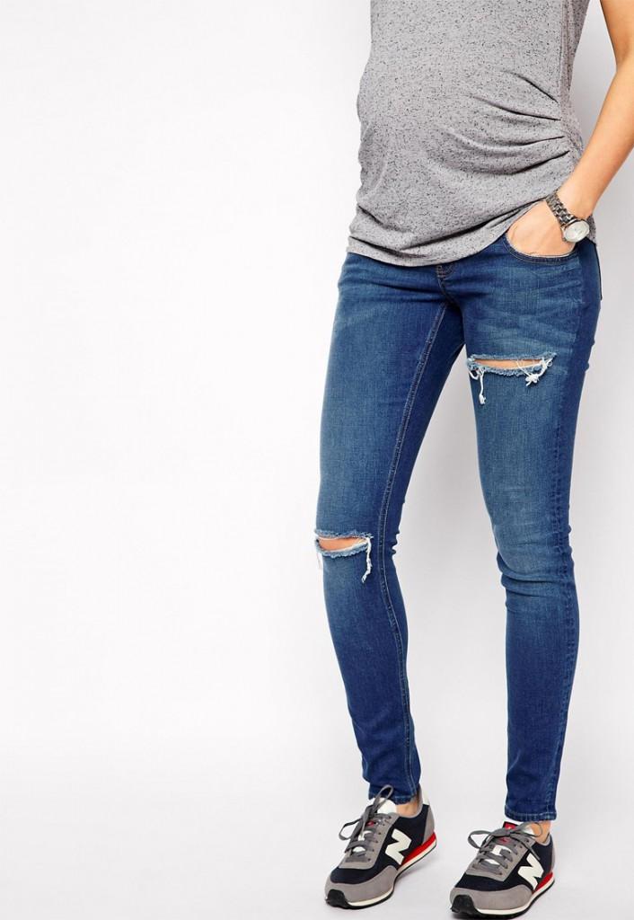 Модные обтягивающие джинсы с дырками для беременных женщин с кроссовками