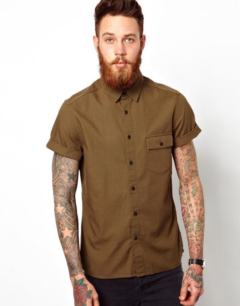 Модная мужская футболка в стиле милитари