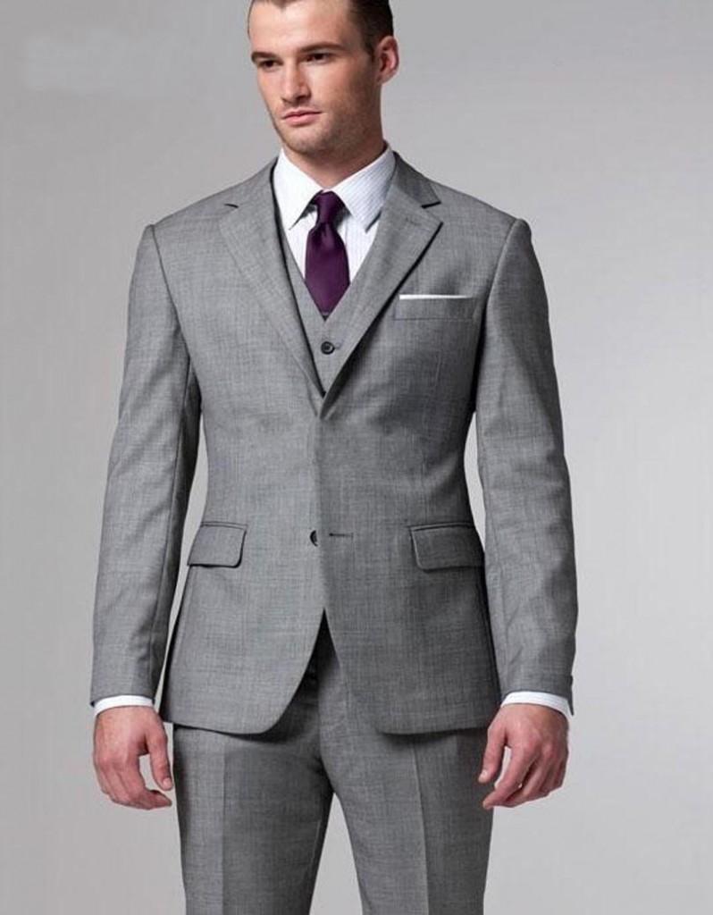 Стильный серый мужской костюм
