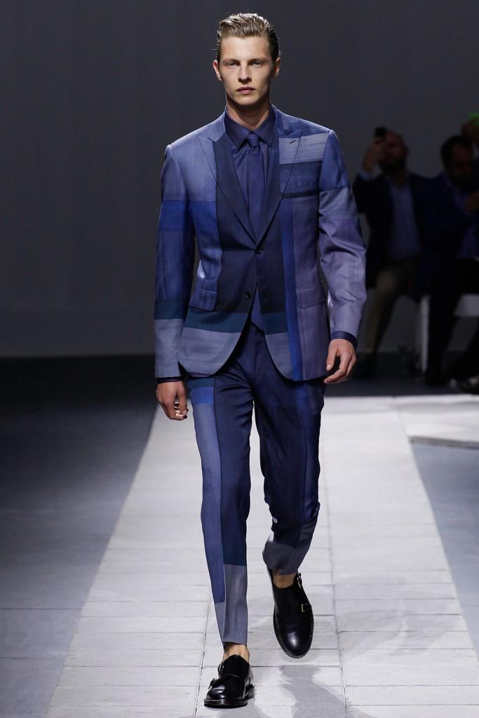 Модный мужской костюм с рисунком