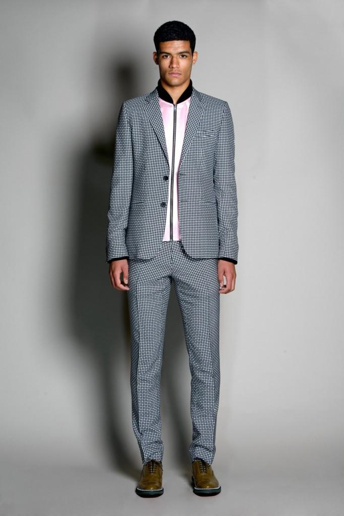 Модный мужской костюм с принтом