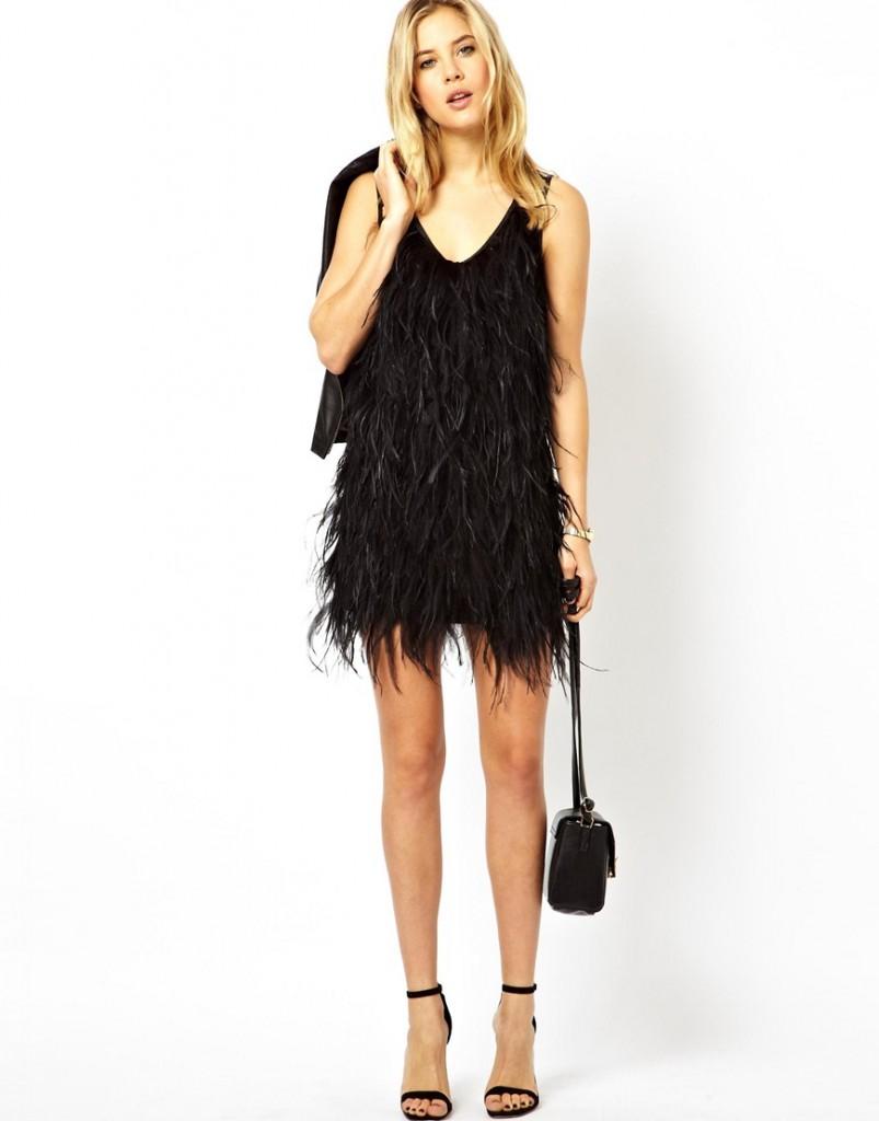 Черное платье с перьями на выпускной