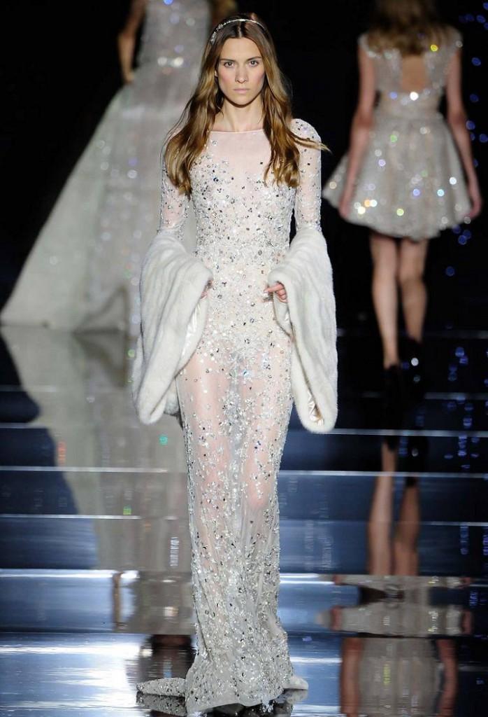 Длинное полупрозрачное вечернее платье