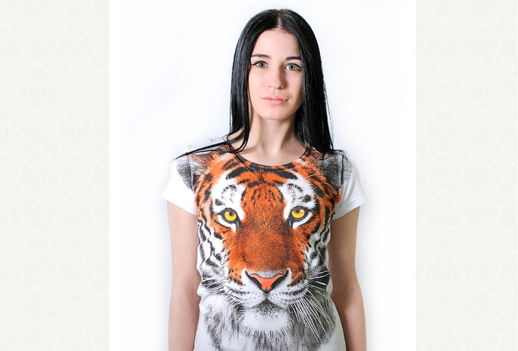 Модные женские футболки 2016