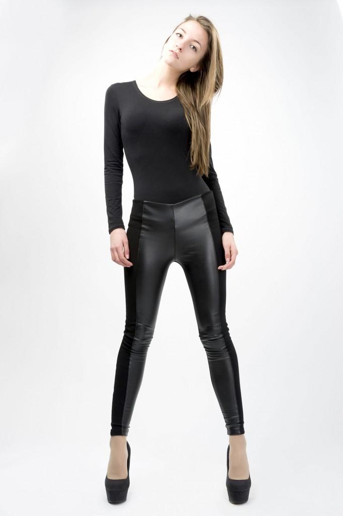 Стильные кожаные женские брюки