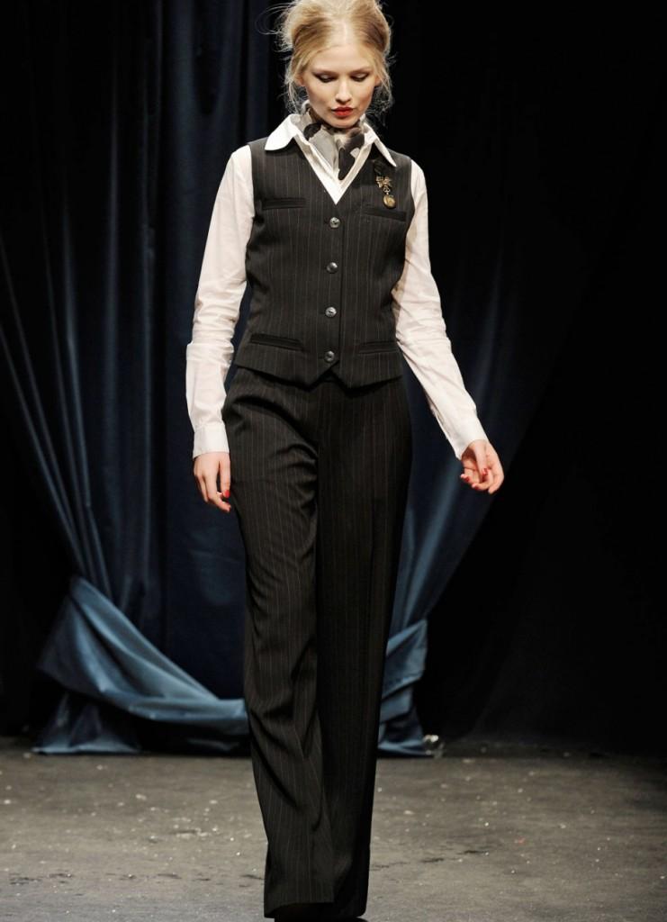 Образ в стиле джаз с узкими брюками