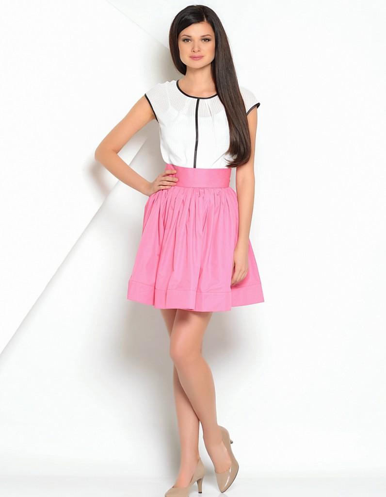Розовая пышная юбка с блузкой