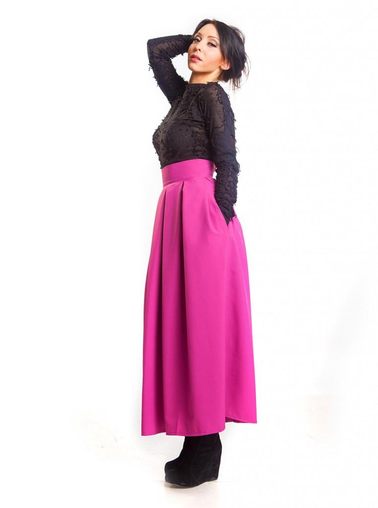 Длинная ярко розовая юбка