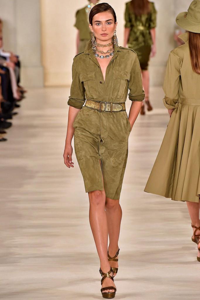 Зелено-коричневое замшевое платье рубашка