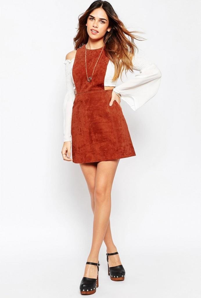 Коричневое замшевое платье сарафан