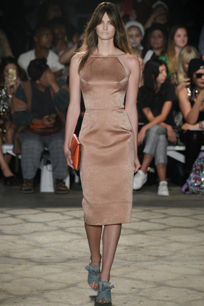 Коричневое замшевое платье футляр