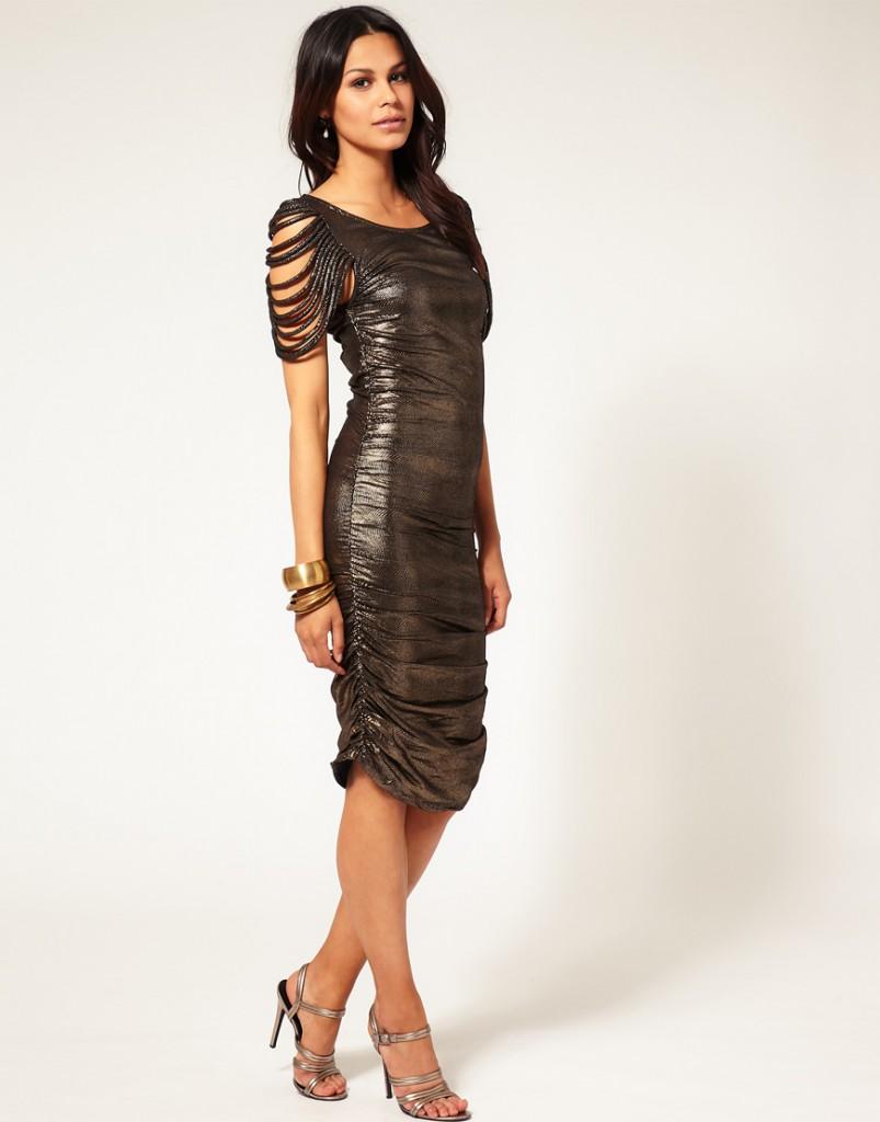 Длинное темное блестящее платье для торжества