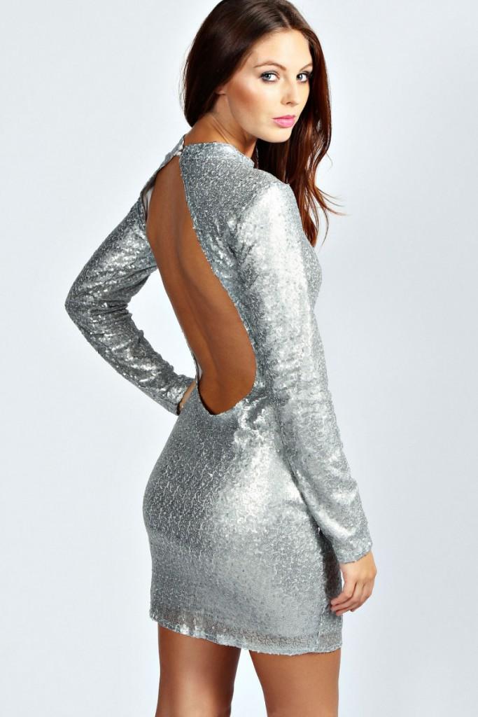 Серебристое блестящее платье