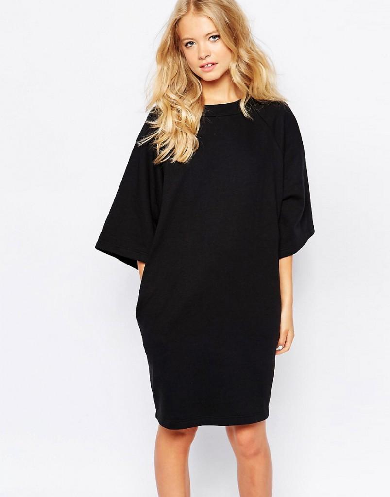 Черное модное платье оверсайз