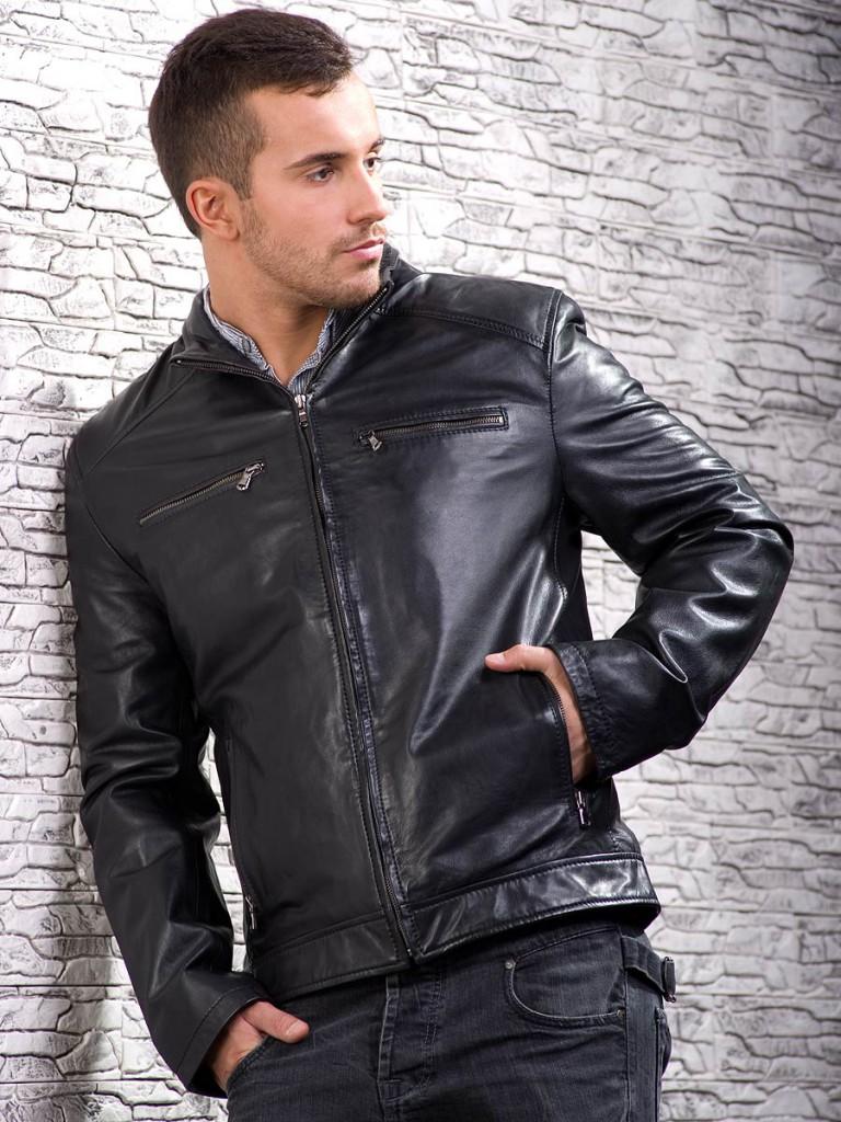 Стильная черная мужская кожаная куртка