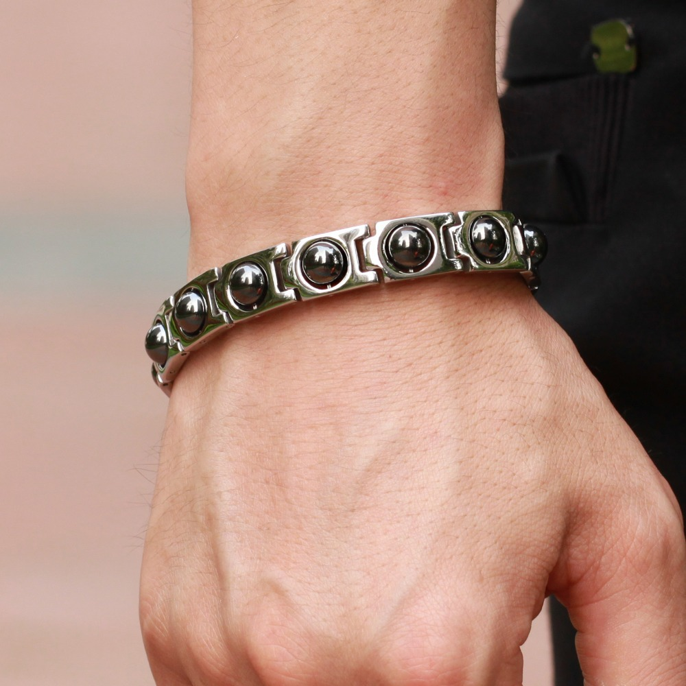 Модный мужской браслет с камнями