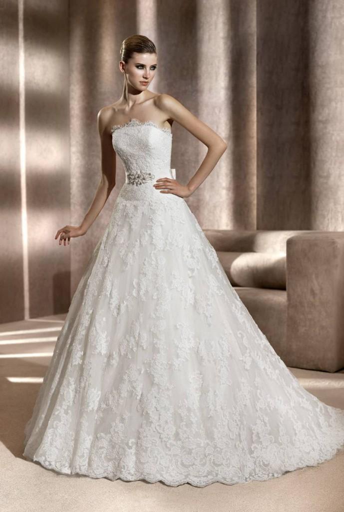 Свадебное платье с корсетом с вышивкой
