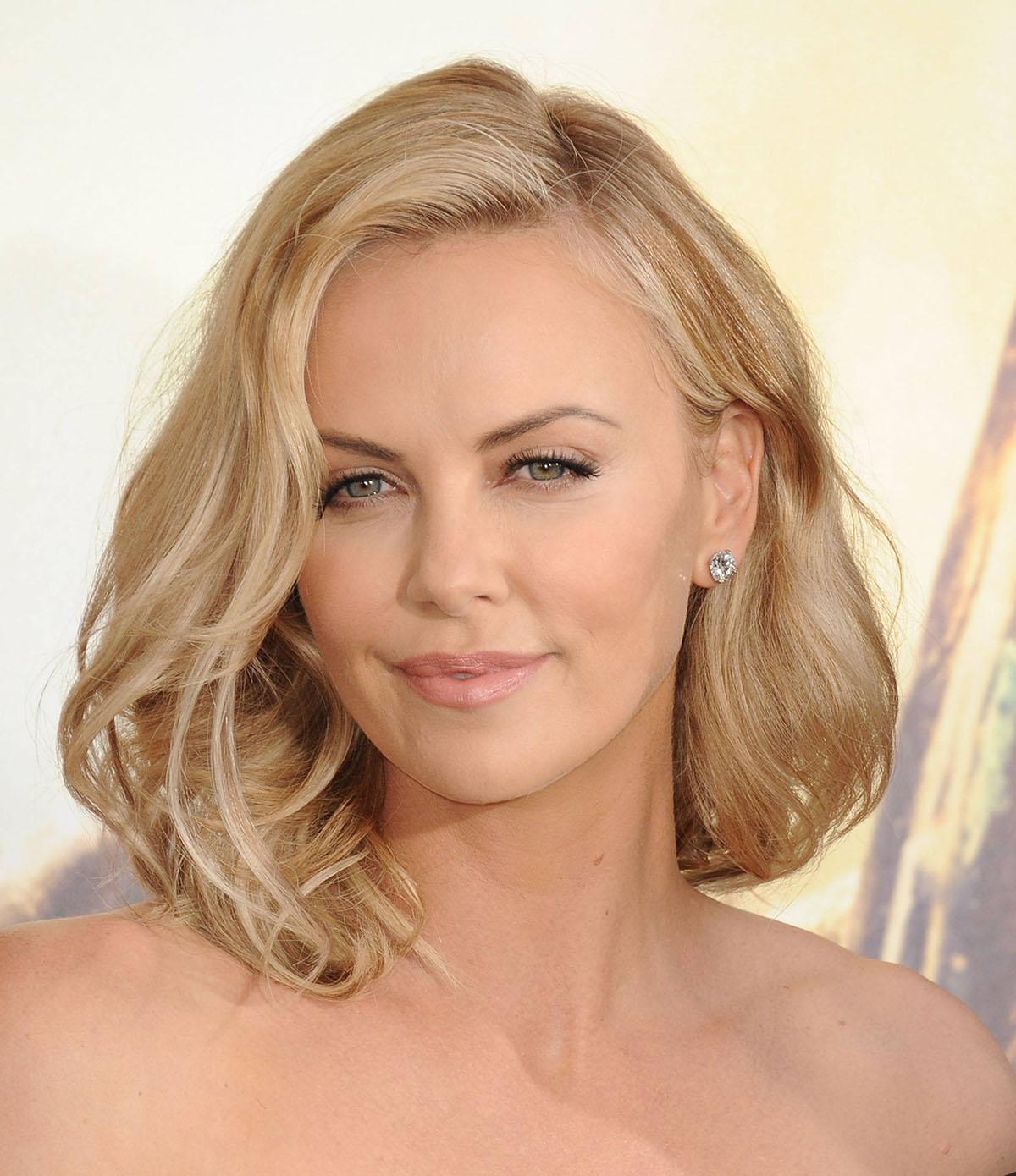 Блонда в кружевном белье фото 391-428