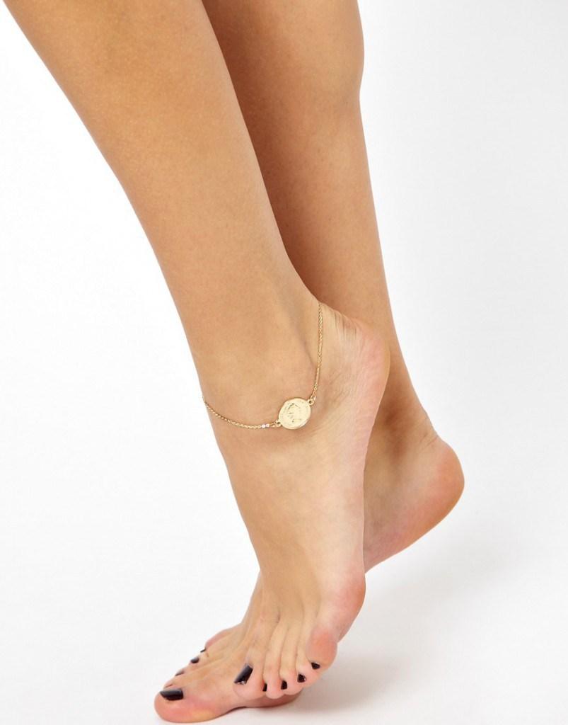 Золотой браслет на ногу с монеткой