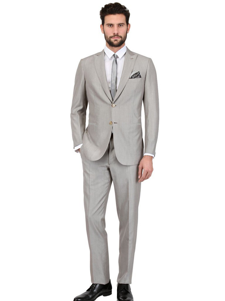 Модный серый мужской летний костюм