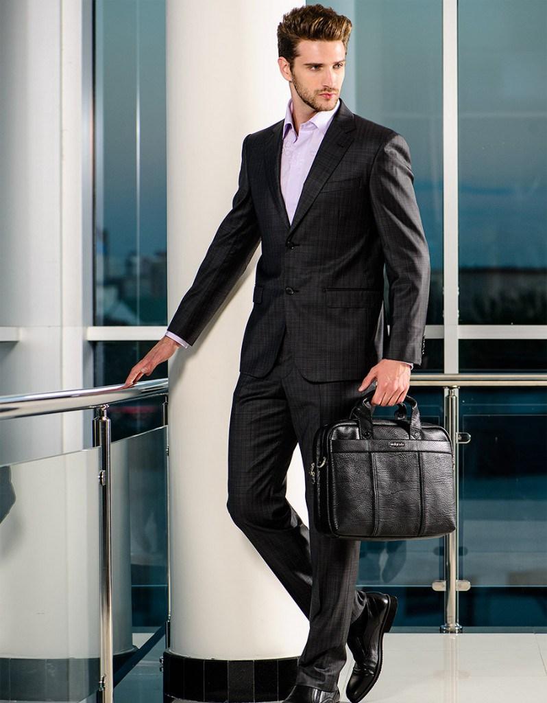 Стильный клетчатый черный мужской деловой костюм