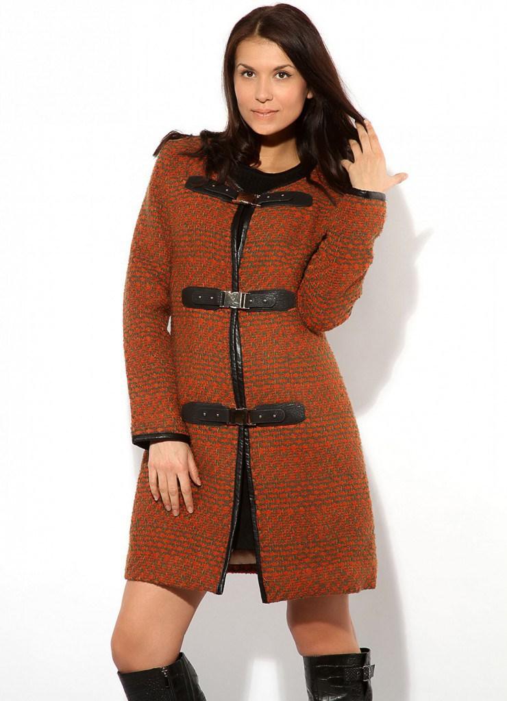 Классическое коричневое пальто