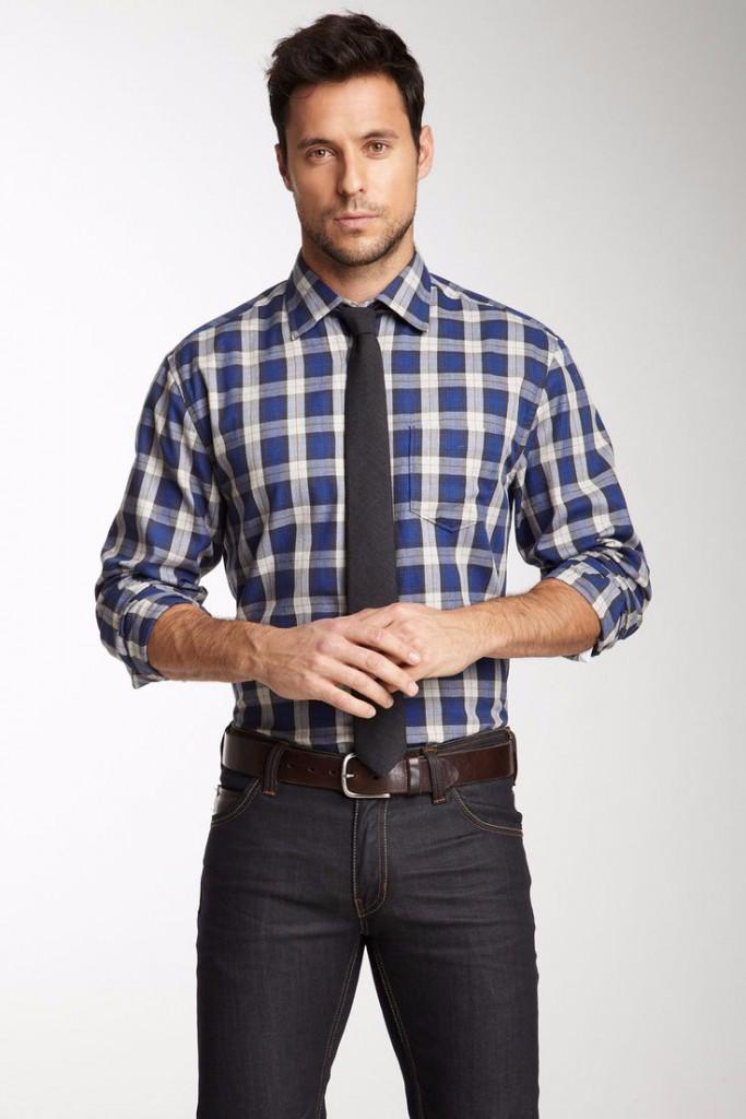 Мужские джинсы и рубашка в стиле business casual