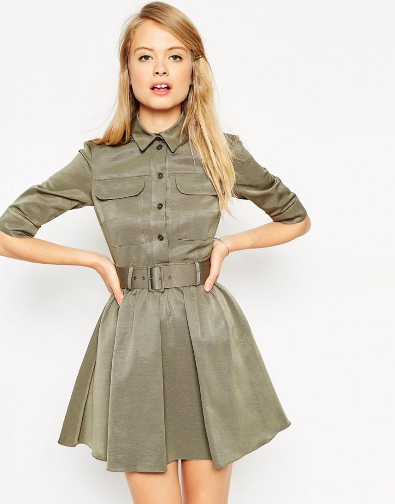 Приталенное платье в стиле милитари