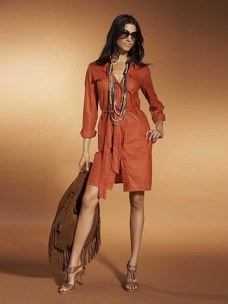 Оранжевое платье в стиле сафари