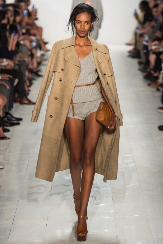 Пальто в стиле сафари