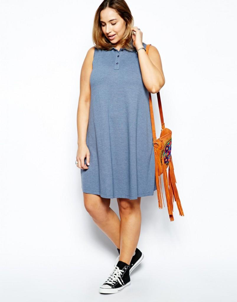 Джинсовое короткое платье с кедами