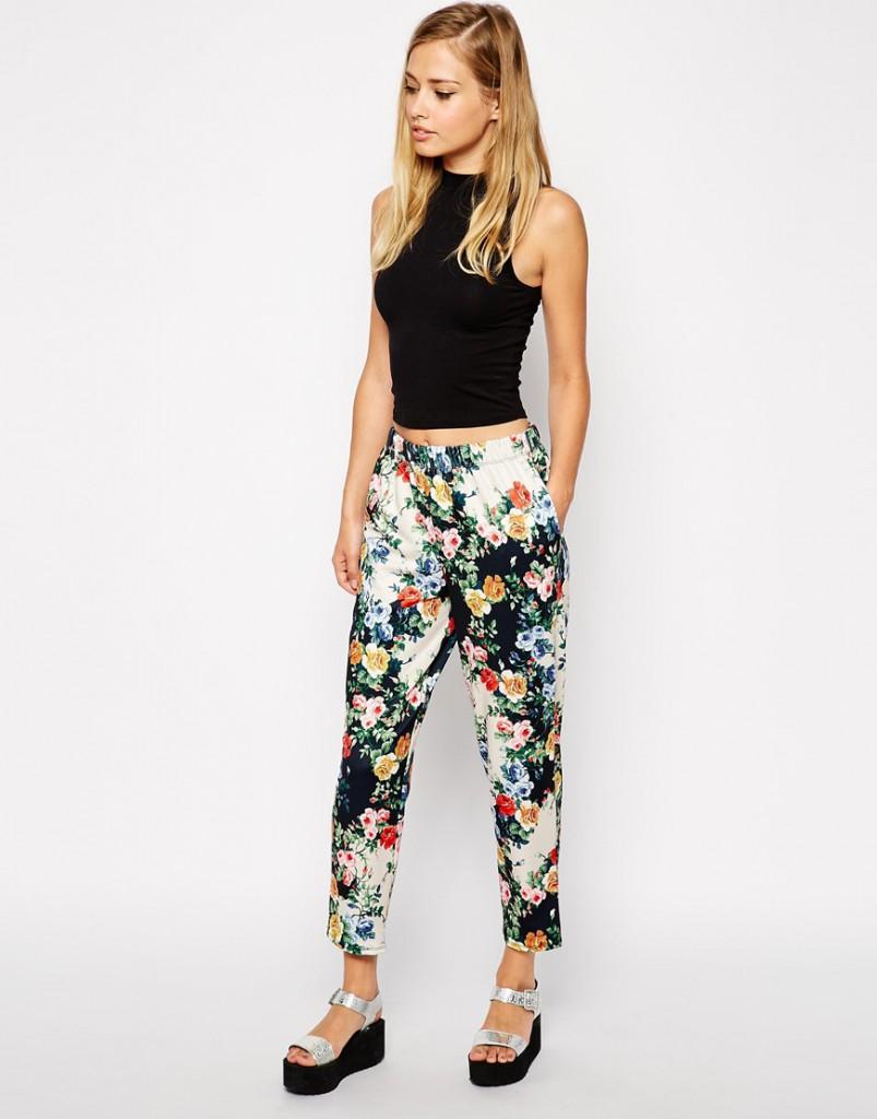 Цветочные брюки в романтическом стиле