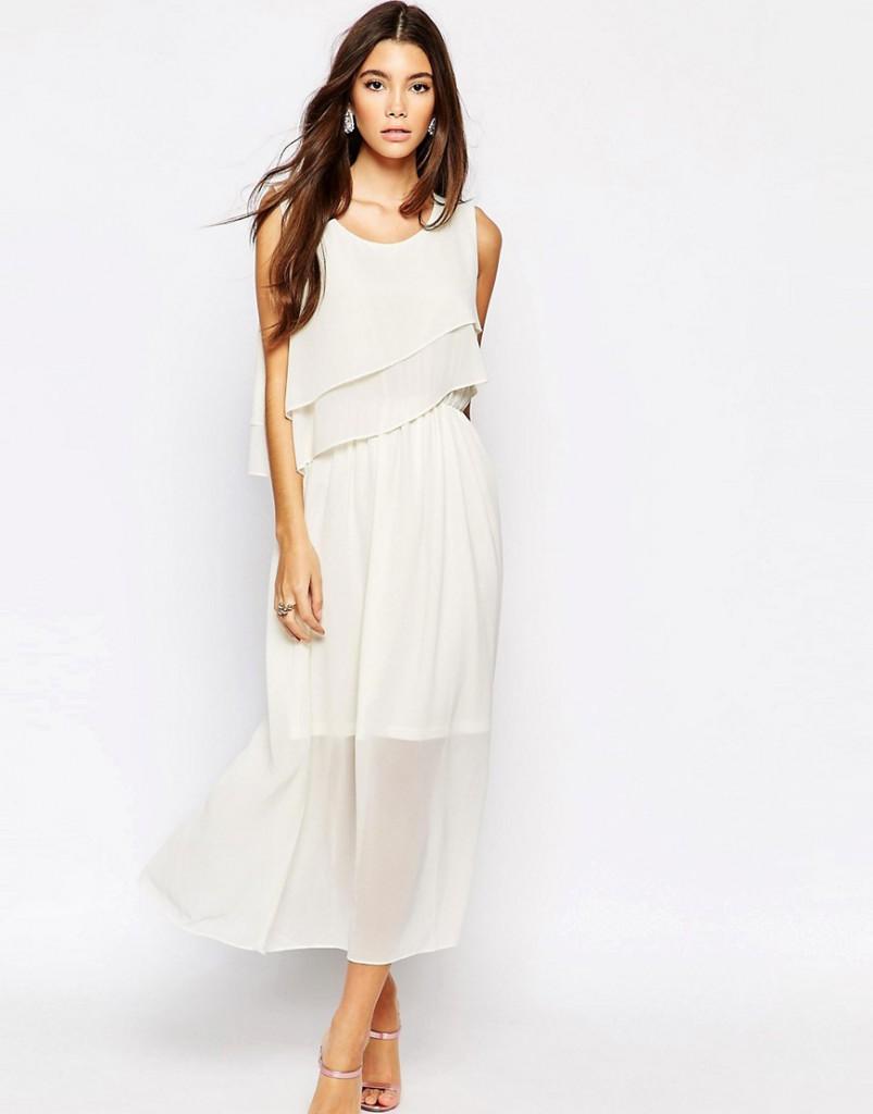 Белое платье в романтическом стиле