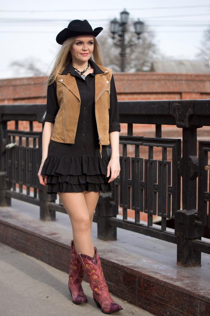 Модный женский лук в стиле кантри