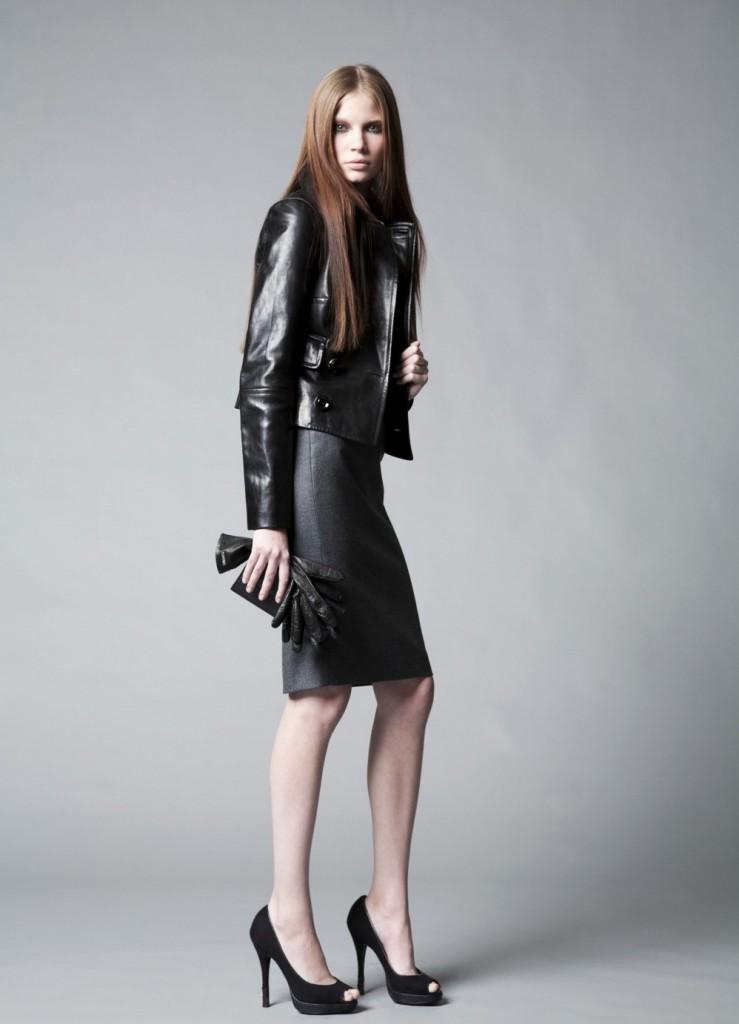 Женский образ в черных тонах в стиле минимализм