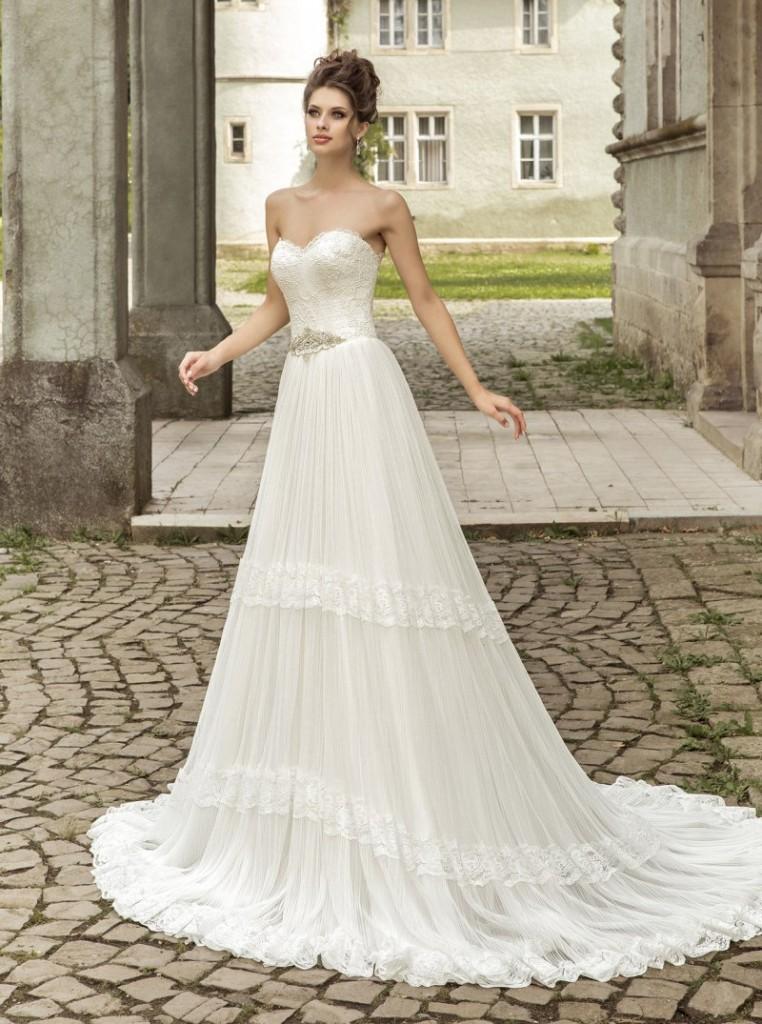 Свадебное шикарное длинное платье в стиле прованс