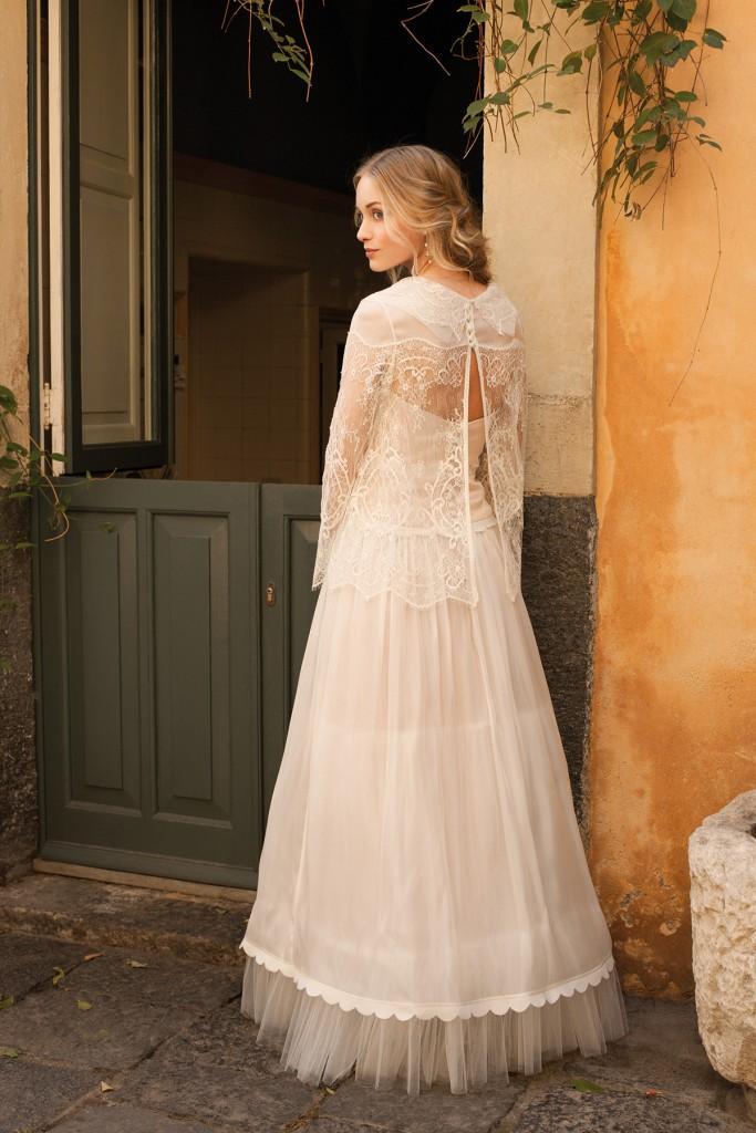 Свадебное кремовое длинное платье в стиле прованс