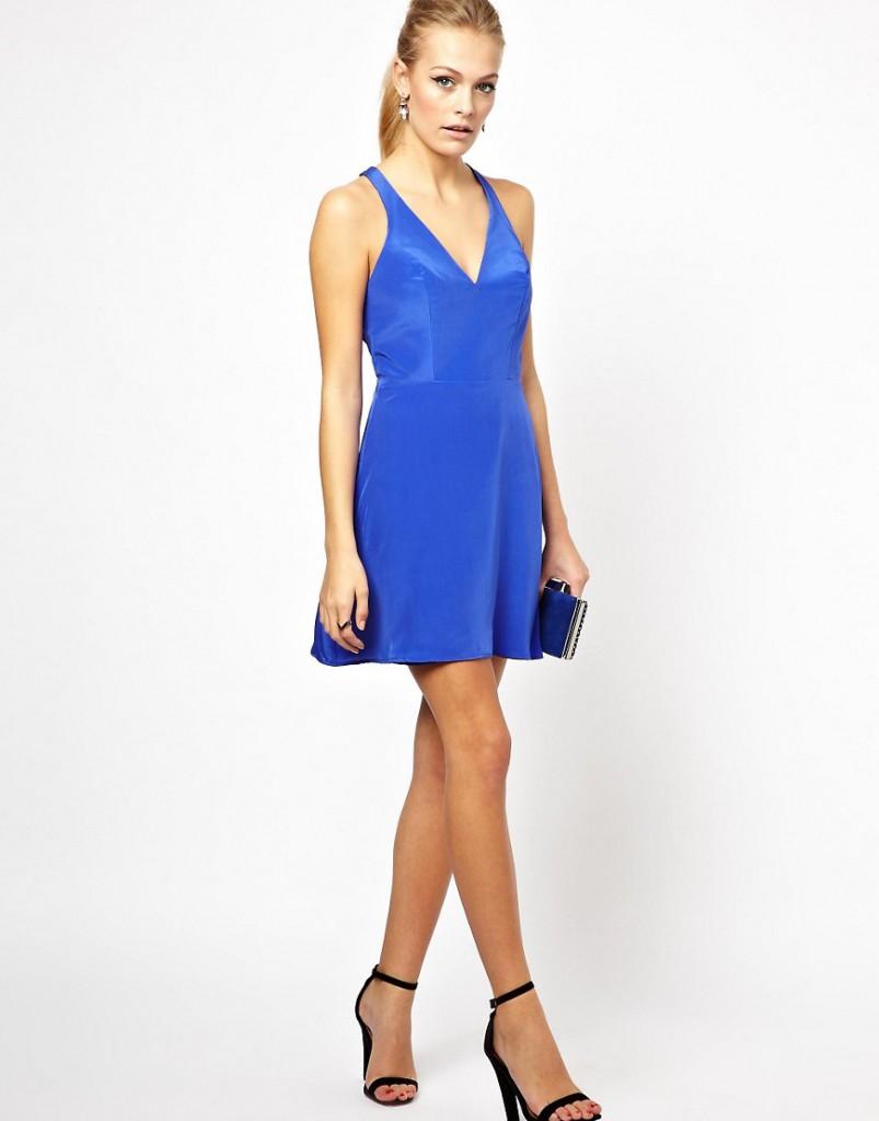 Короткое шелковое платье в гангстерском стиле