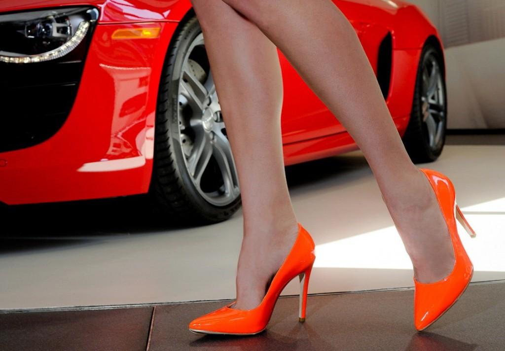 С чем носить туфли лодочки