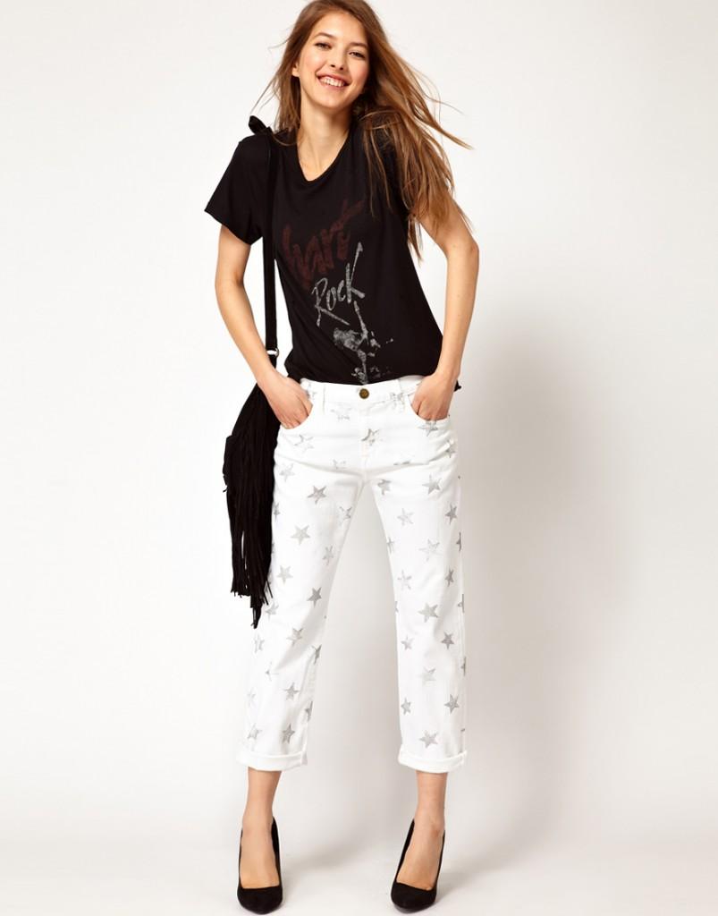 Белые укороченные брюки со звездочками с черными лодочками