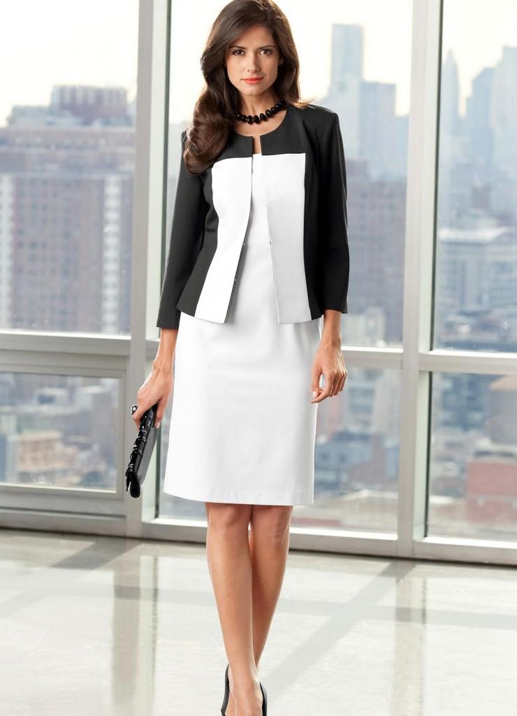 Черно-белый женский деловой костюм
