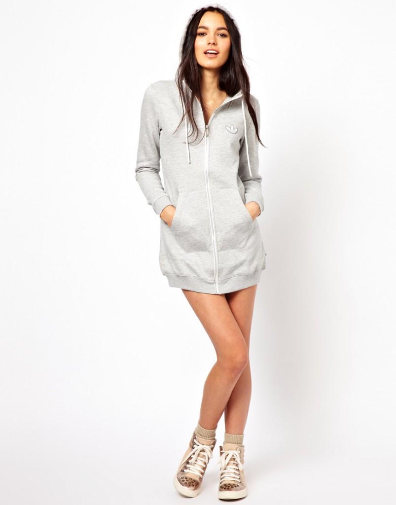 Стильное серое платье толстовка с капюшоном