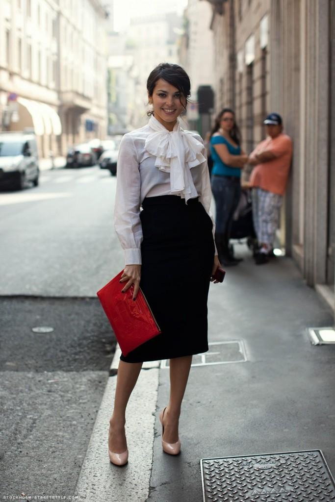 Женский образ с черной юбкой и белой блузкой в стиле business casual