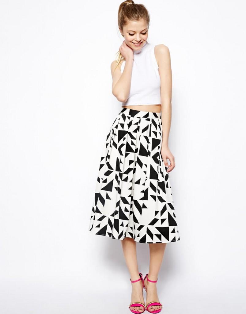 Черно-белая юбка для женщин после 40 лет