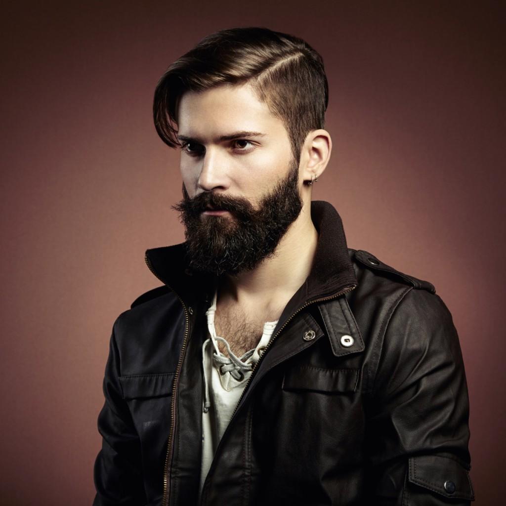 Мужская хипстерская прическа и борода